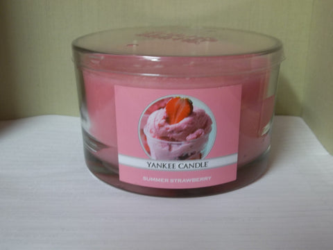 Yankee Candle 3-wick Dish 17 oz. - Summer Strawberry