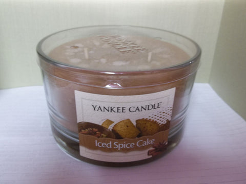 Yankee Candle 3-wick Dish 17 oz. - Iced Spice Cake