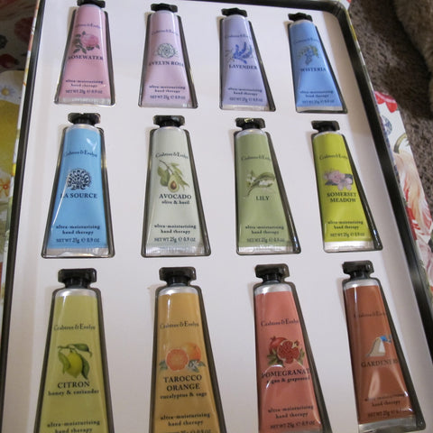 CRABTREE & EVELYN 12 PCS LOTION GIFT SET - Discontinued Beauty Products LLC