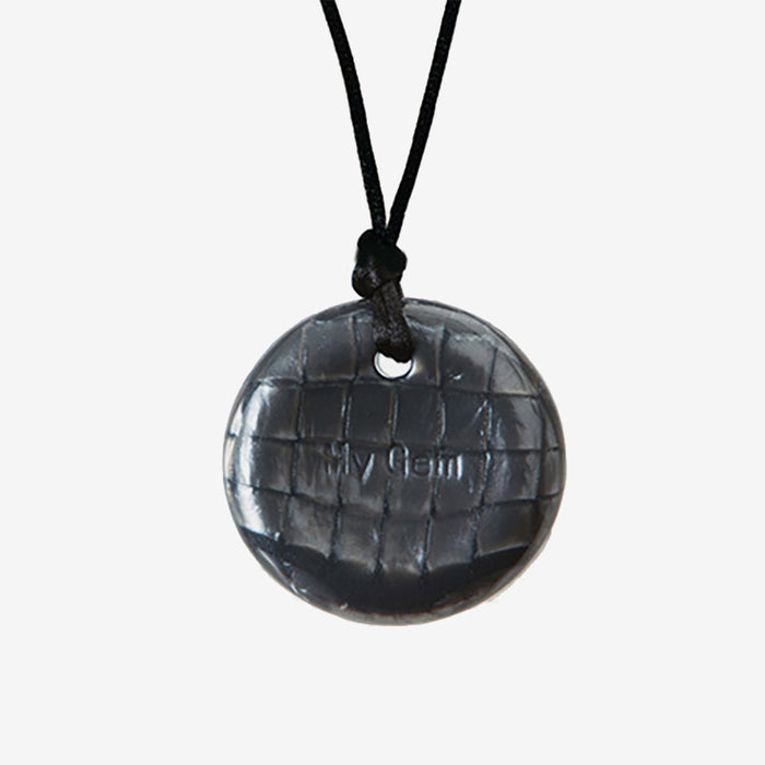 Shiny black silicone chewigem pendant for chewing needs