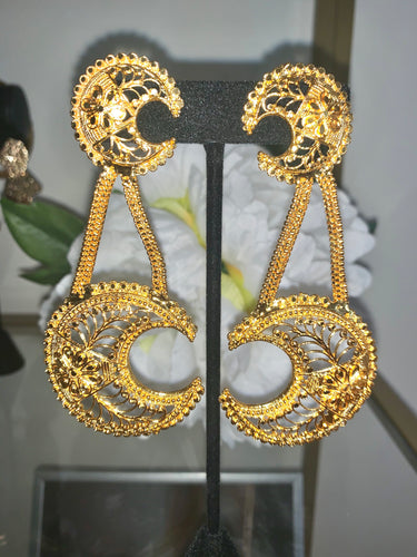 LUNA EARRINGS - Goddess of the moon
