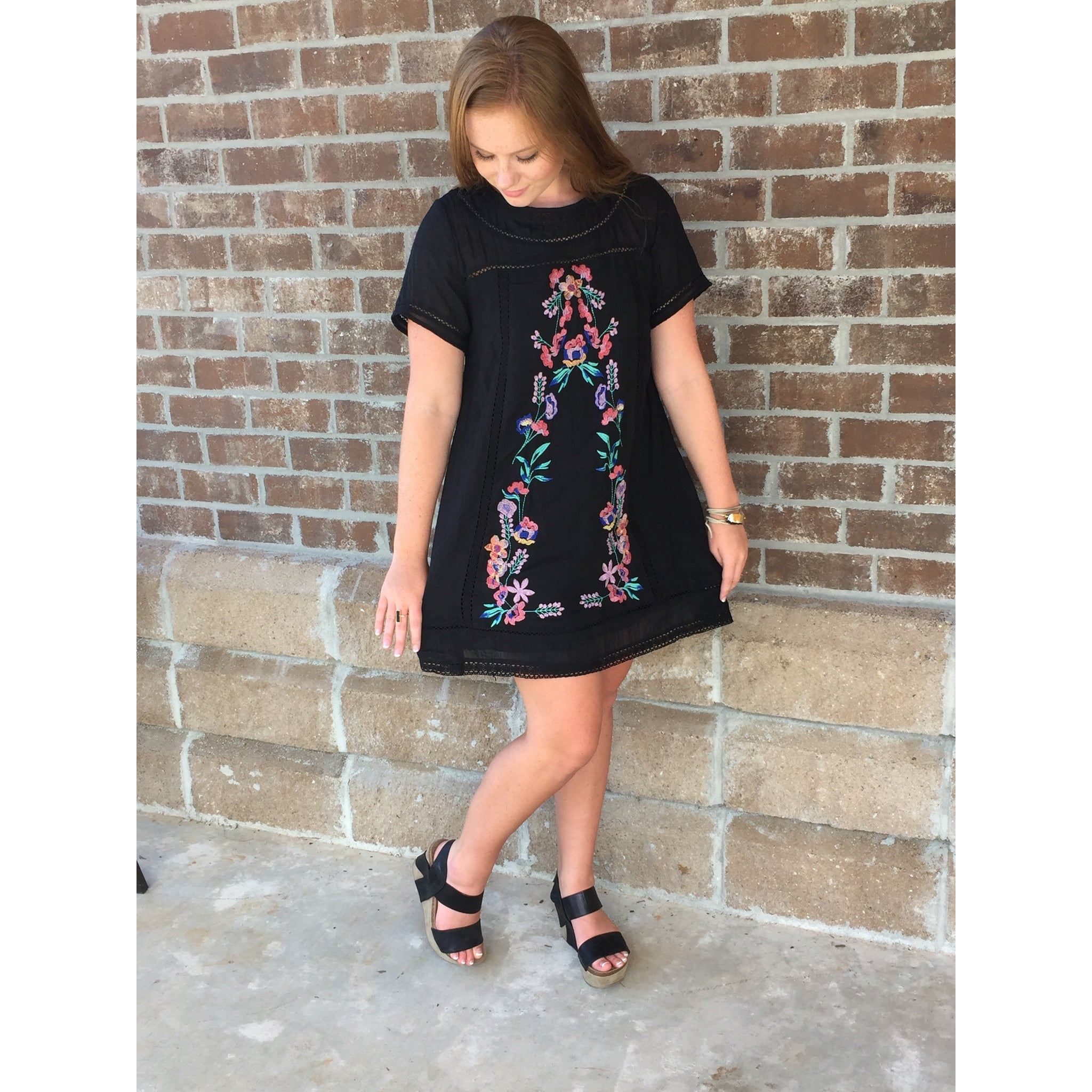 FLORAL EMBROIDEREY A-LINE DRESS