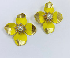FLOWER STUD EARRINGS