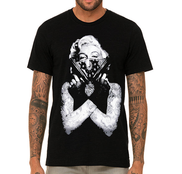 Marilyn Monroe with guns Men's T-Shirt