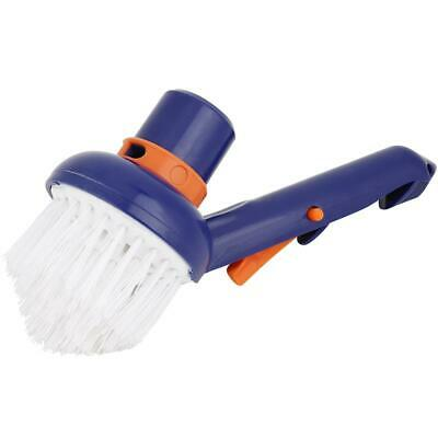 Pool brush for corners