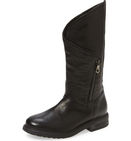 BRAYS Leather Boot in Black