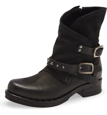 STEPPE Moto Bootie in Black