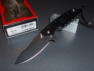 Surefire Charlie Folding Knife   EW-11