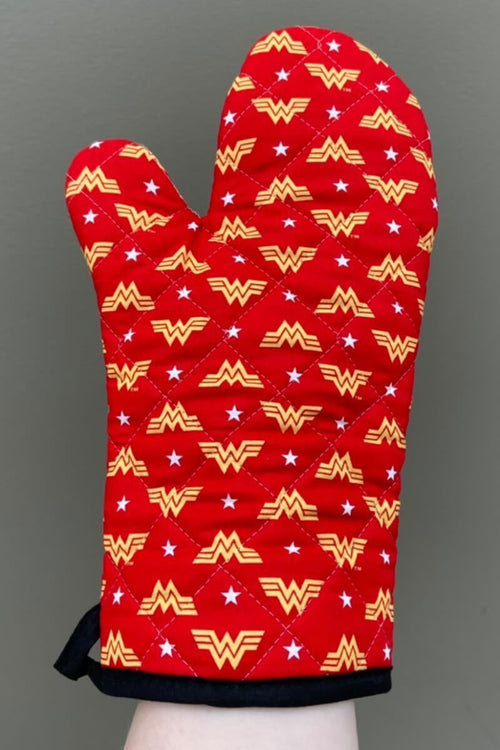 ***PREORDER*** Wonder Woman Mitt