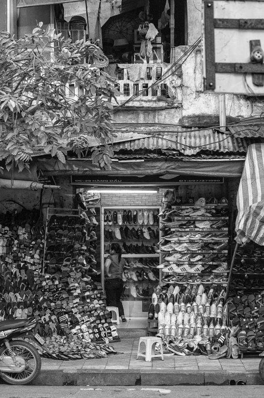 Hanoi Shopping - Art Print