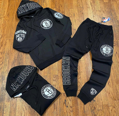 BROOKLYN NETS EMBROIDERED SWEATSUIT