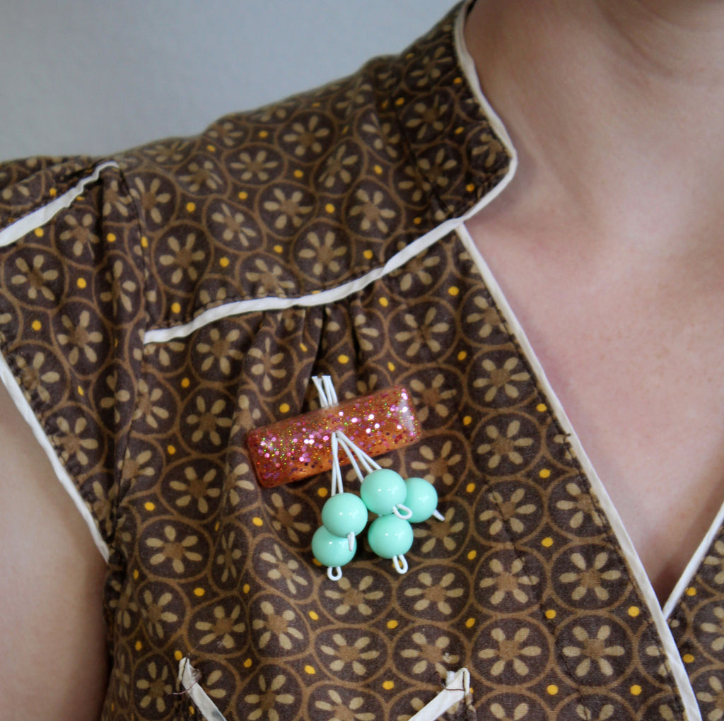 Peach Dreams retro brooch
