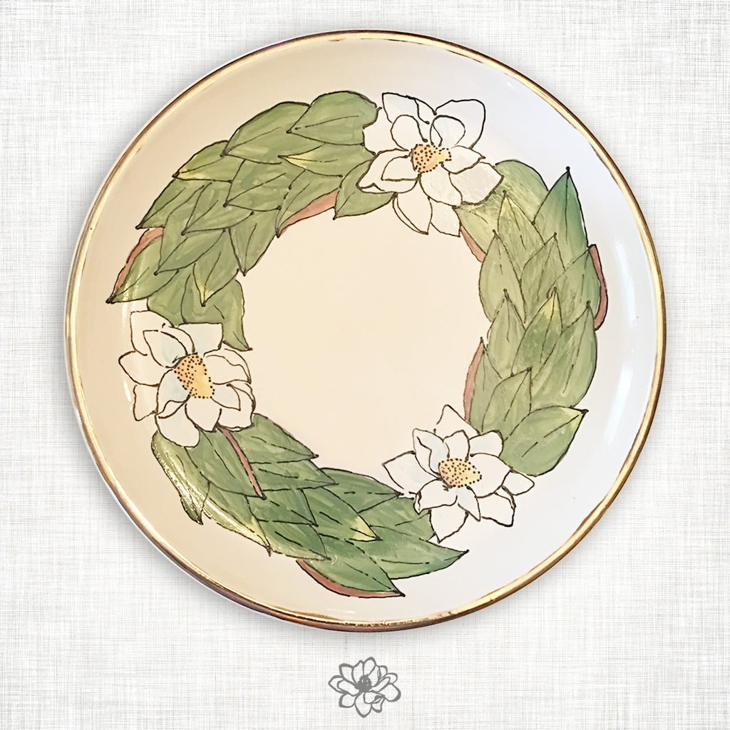 Magnolia Round Platter with Gold Trim