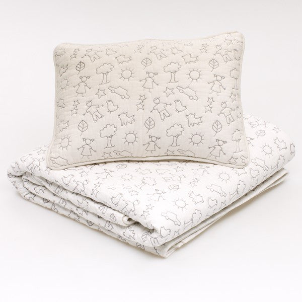 LaLa Coverlet and scatter matching pieces