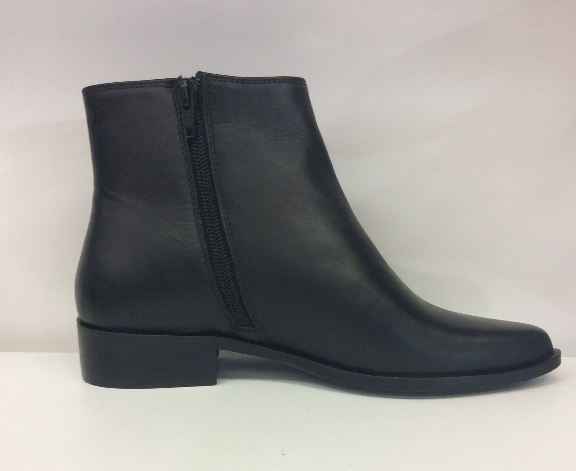 Nu By Neo Leather Ankle Boot - Vegas - Black