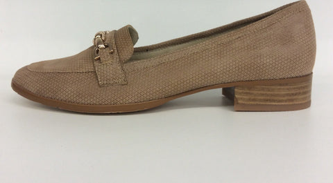 Chrissie - Skye - Fine Print Camel - Sole Sister Shoes