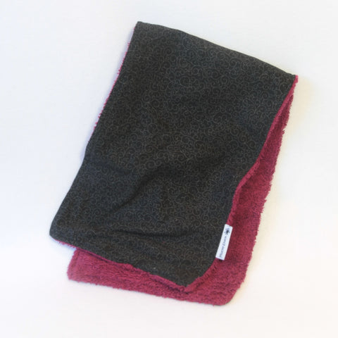 mucky Duck Crafts Black and burgundy burp cloth