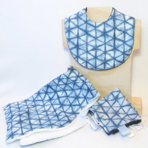 Mucky Duck indigo shibori gift pack containing regular dribble bib burp cloth taggy taggie sensory cloth