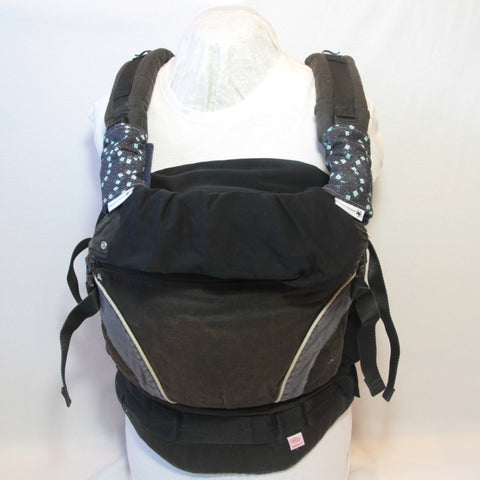 Mucky Duck navy blue with mint flowers babay carrier strap protectors