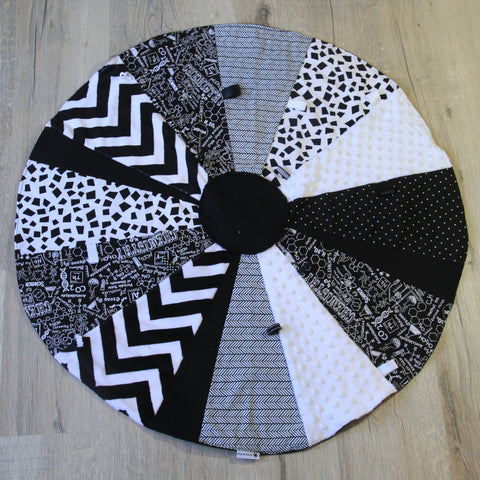 Mucky Duck Crafts circular sensory play mat in monochrome chemistry theme