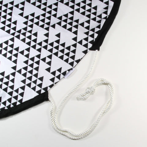 Draw-Cord Play Mat - Monochrome Geometric
