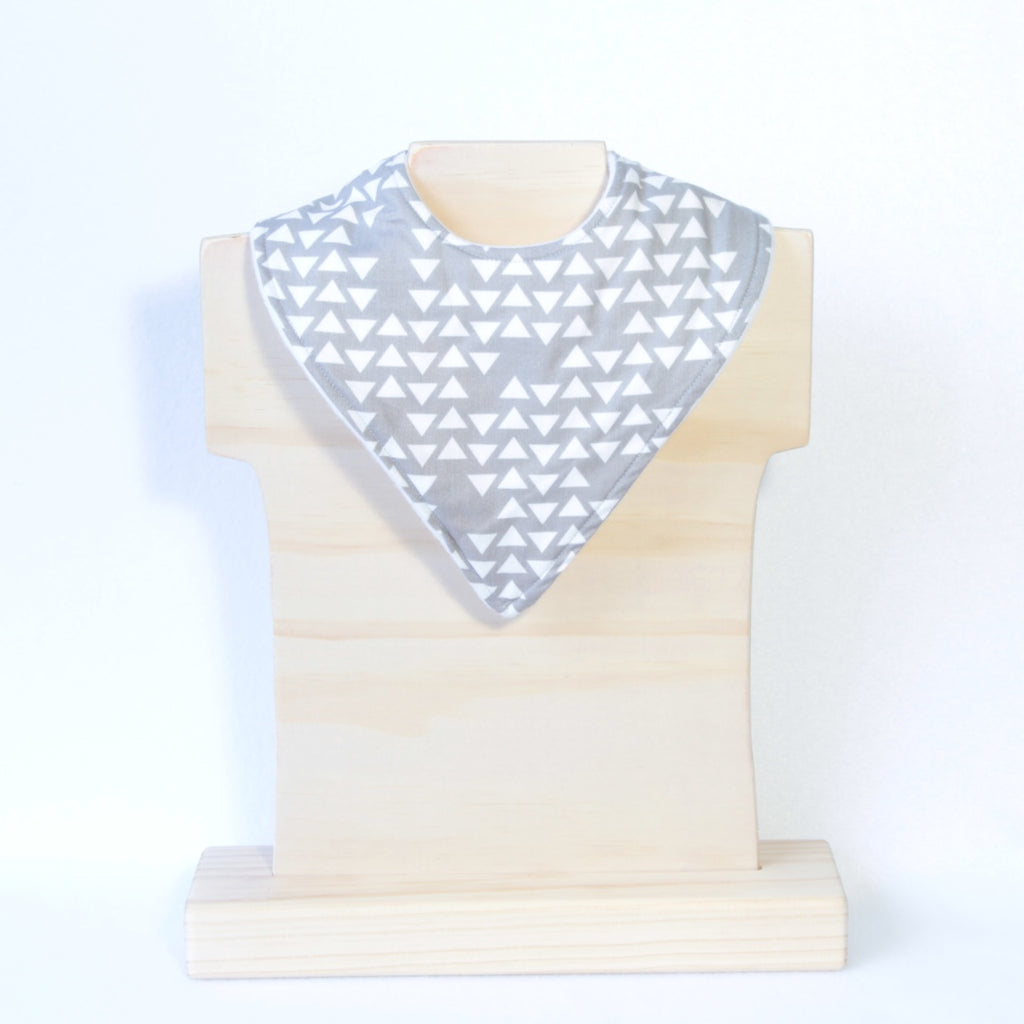 Mucky Duck Crafts grey with white triangles bandana dribble bib