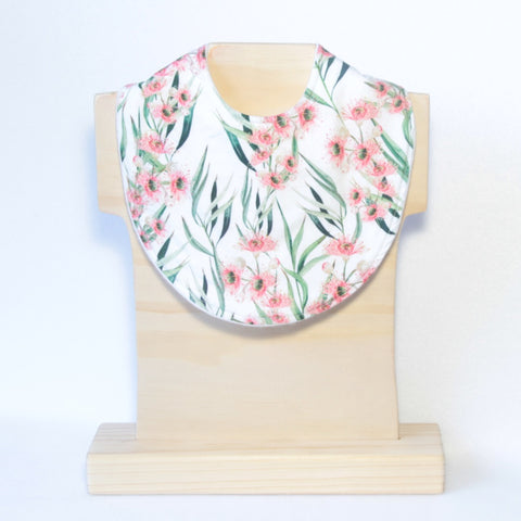 Mucky Duck Crafts blush flowering eucalyptus regular dribble bib