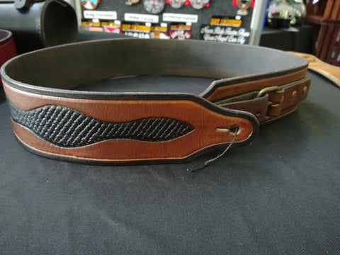 CUSTOM GUITAR STRAP WITH BROWN BUCKLE