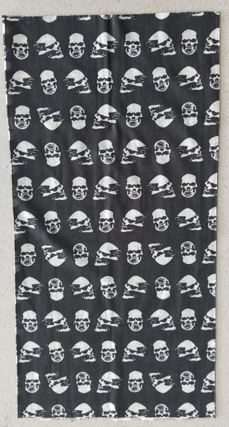 BUFF3/FACE MASK/NECK WARMER - SMALL SKULL ON BLACK