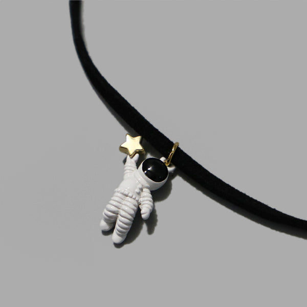 astronaut chocker