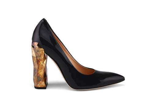 Chanda Full Gloss patent leather pumps side view
