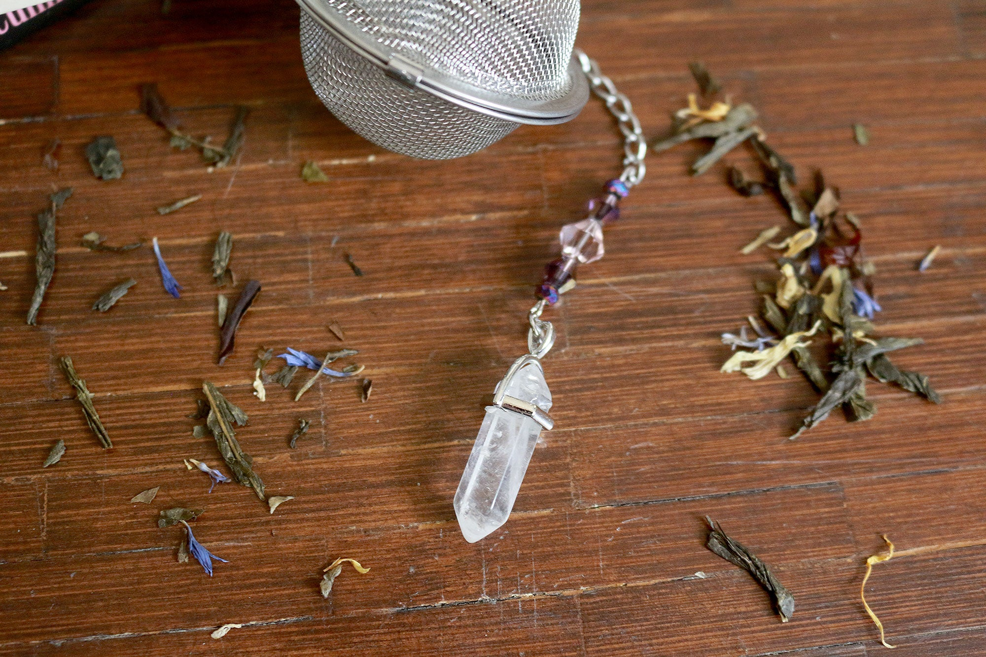 Quartz Crystal Beaded Mesh Tea Ball Infuser