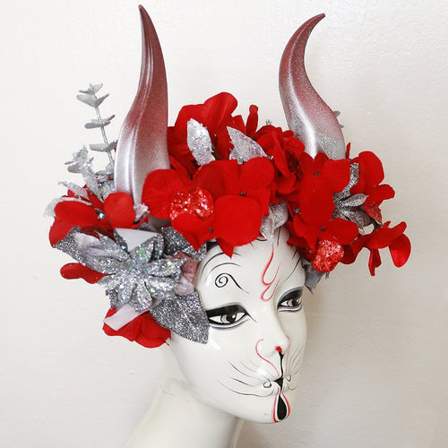 Gilded Crimson horn headdress
