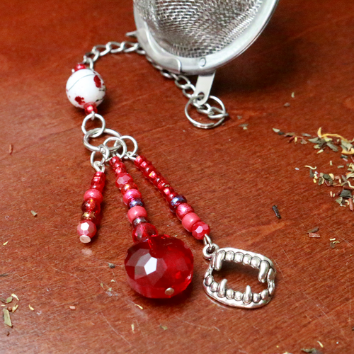 Vampire Blood Beaded Mesh Tea Ball Infuser