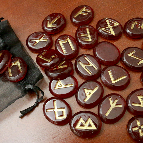 Red and Gold Small Rune Set