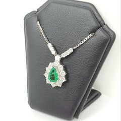18ct White Gold Diamond & Emerald Necklace