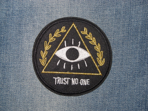 Patch & Pin 'Trust No One' Patch