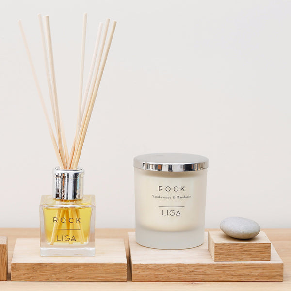 Rock Candle | Sandalwood & Mandarin