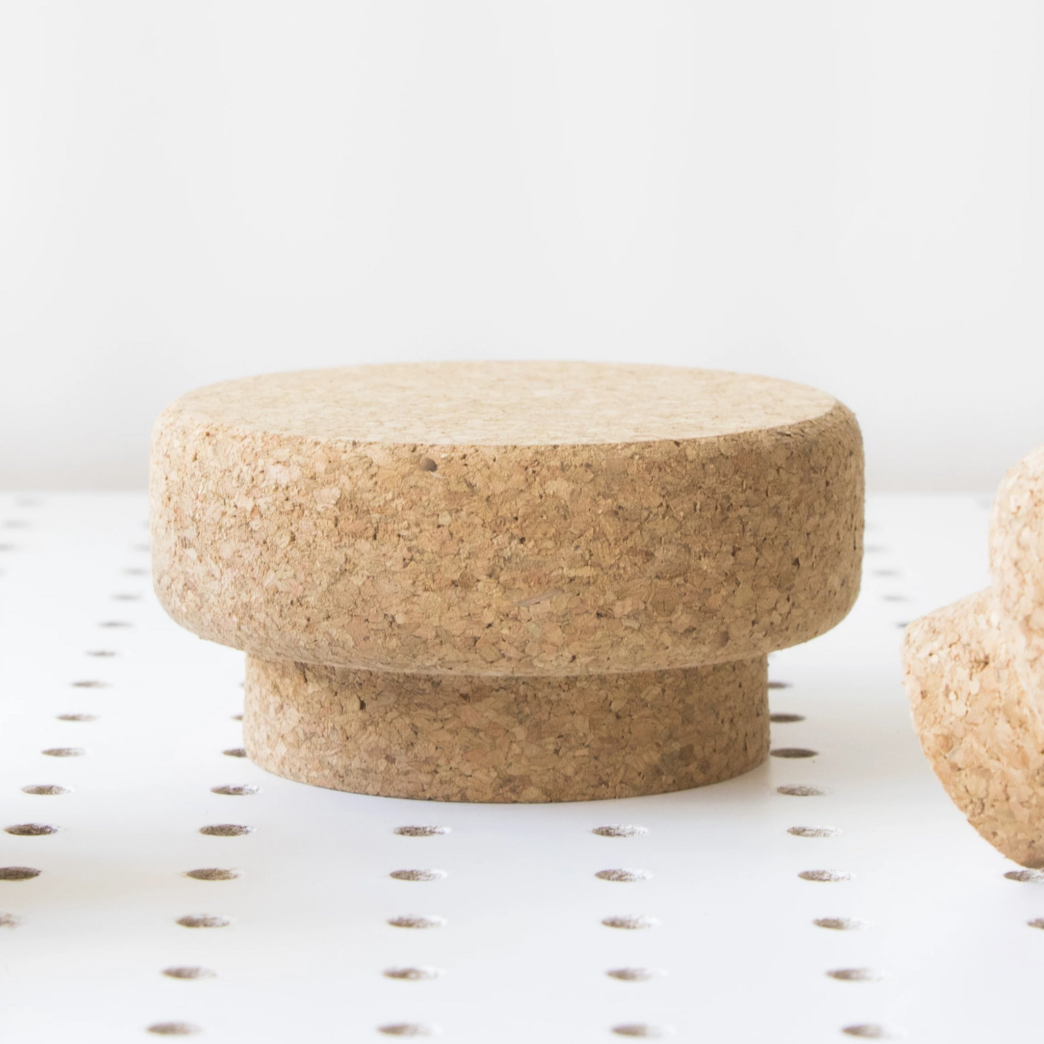 Large Round Sustainable Cork Knob | LIGA