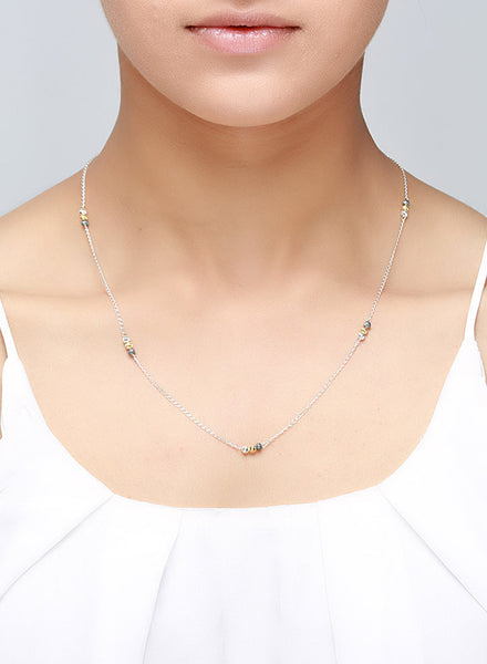 Simple Elegant silver Chain with an Edge