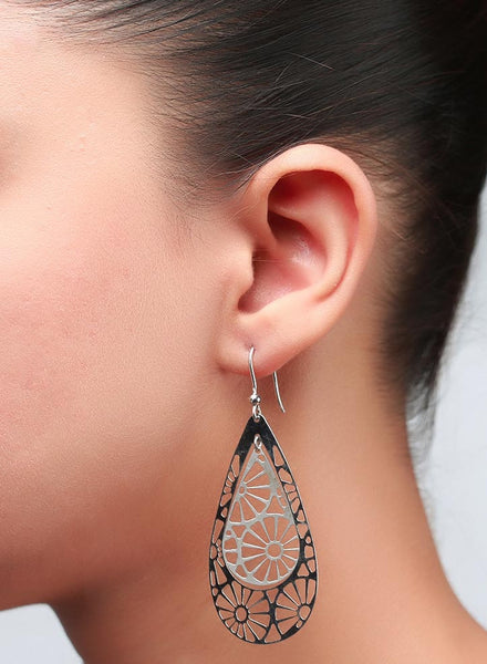 Hanging Wheel Dangler Earring - Sterling Silver - LeCalla
