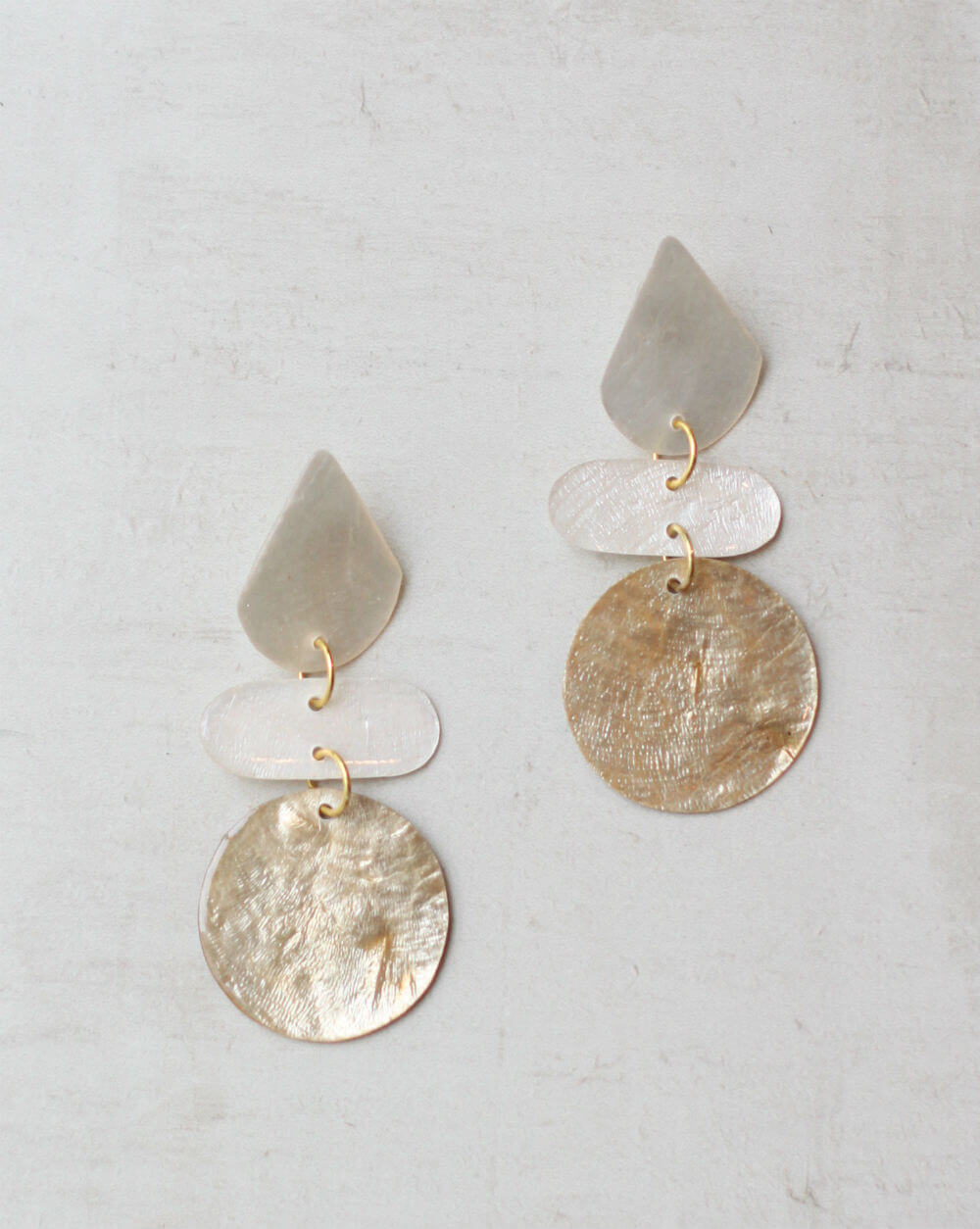 SY-E02 Gold & White Kira Teardrop Shell Earrings