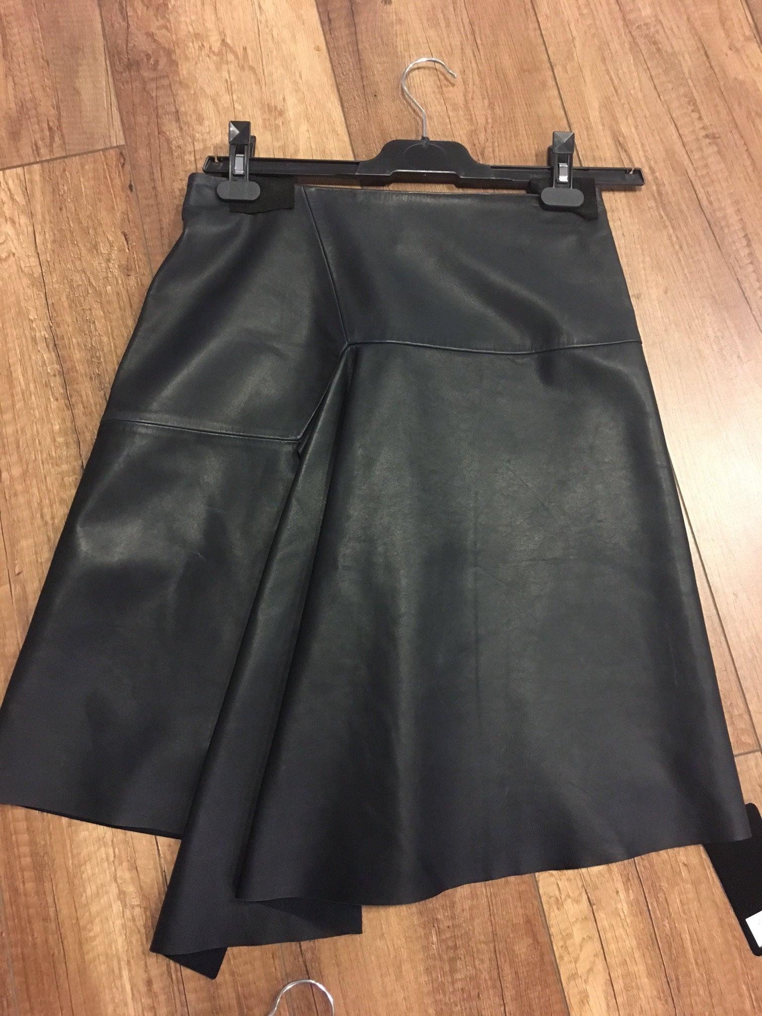 GL-17 MARO RUFFLE LEATHER SKIRT