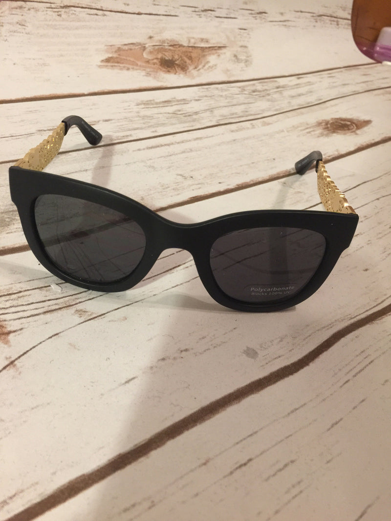 Face the Music Sunglasses Multiple Colors