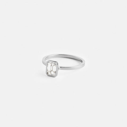 Auda Ring in Platinum