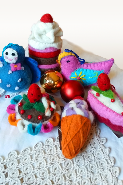 Handmade Boiled wool ornaments - food