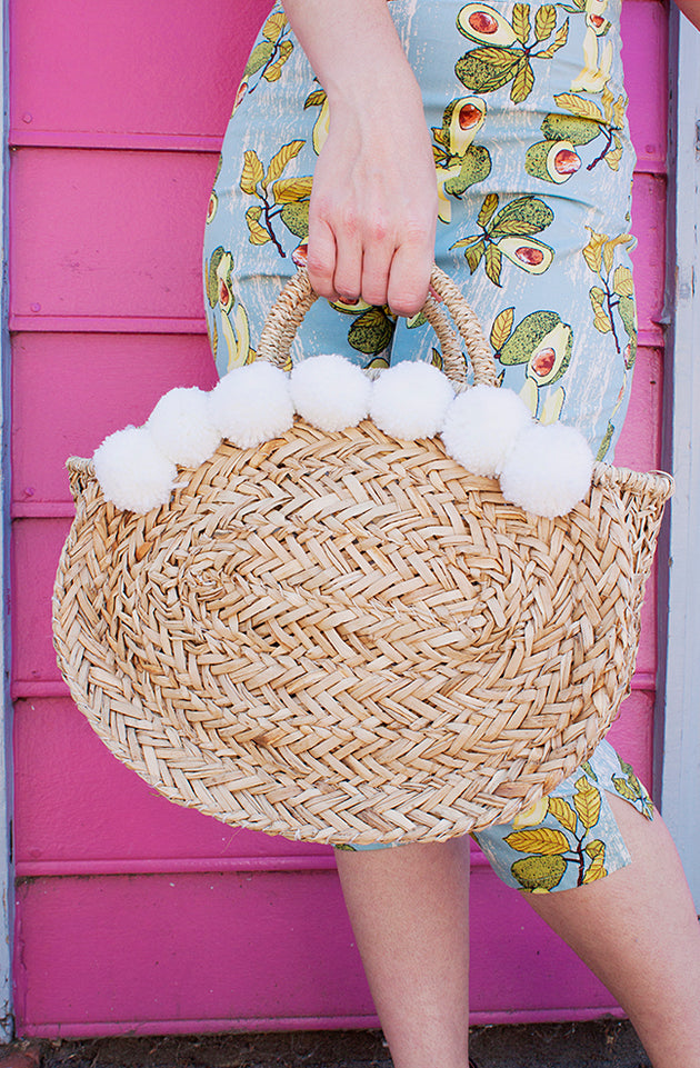 Pom Pom Seagrass Straw Beach Bag
