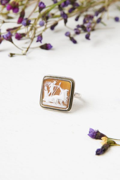Vintage 1940s Sterling Roman Chariot Scene Sardonyx Shell Cameo Ring