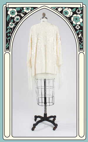 1920s Style Ivory Silk and Floral Embroidered Fringed Kimono Shawl