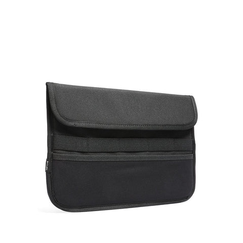 15-inch  MACBOOK CASE CSE-MB15-BLK BLACK